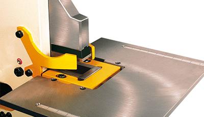 Geka-entallado-rectangular-mesa-bendicrop